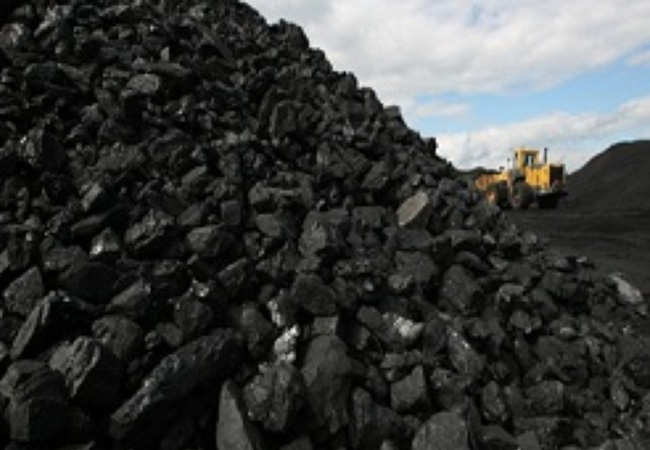 Lần đầu tiên kể từ 2012, giá than chạm mức 100 USD/tấn