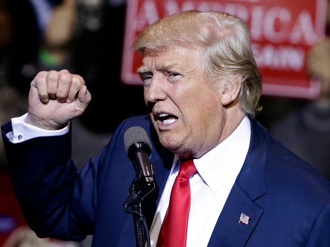 Chưa làm Tổng thống, Trump đã phải đóng cửa 9 công ty vì dây dưa với nước ngoài