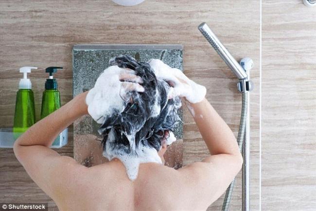 Người đàn ông không tắm 4 tuần để từ bỏ xà phòng và cái kết bất ngờ xảy ra với da và cơ thể