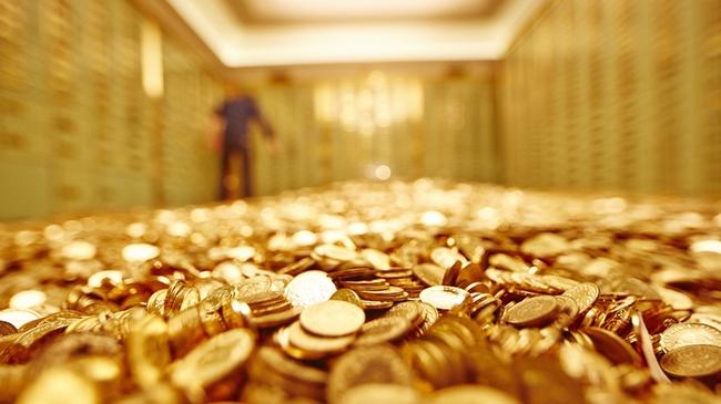 """Đồng USD mạnh và lãi suất tăng """"o ép"""" giá vàng"""