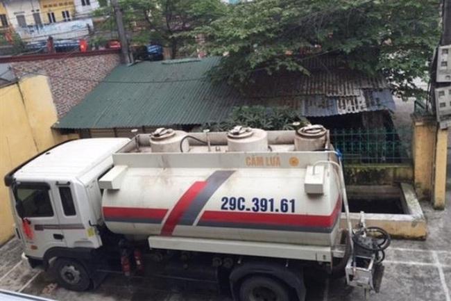 """Vụ buôn lậu 9000 lít xăng máy bay: """"Sếp"""" QLTT Hưng Yên bị kỷ luật"""