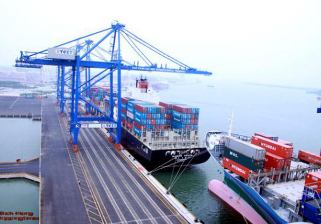 Việt Nam nhập siêu hơn 240 triệu USD trong tháng 11