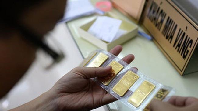 Đại biểu chất vấn Thống đốc: Làm sao huy động vàng và tiền trong dân?