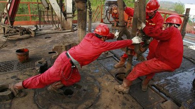 Giá dầu đồng loạt tăng sau báo cáo OPEC tuân thủ 90% cam kết cắt sản lượng
