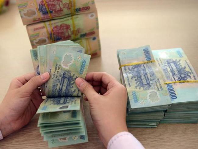 Lương của nhân viên ngân hàng nhỏ chưa bằng một nửa nhà băng lớn