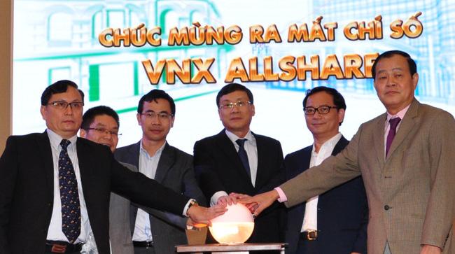 Chứng khoán thăng hoa, chỉ số VNX Allshare Index lần đầu vượt ngưỡng 1.000 điểm sau 4 tháng ra mắt