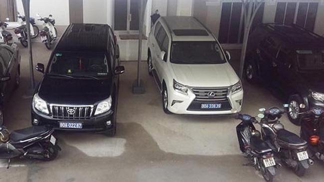 Doanh nghiệp tặng xe sang cho địa phương, người phát ngôn Chính phủ nói gì?
