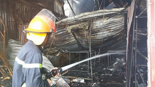 Vụ cháy 8 người chết: Lối thoát duy nhất bị bịt kín