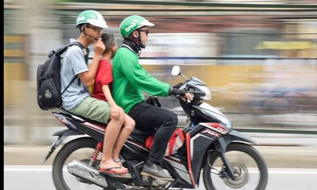 Người trẻ có nên chạy Uber, Grab?
