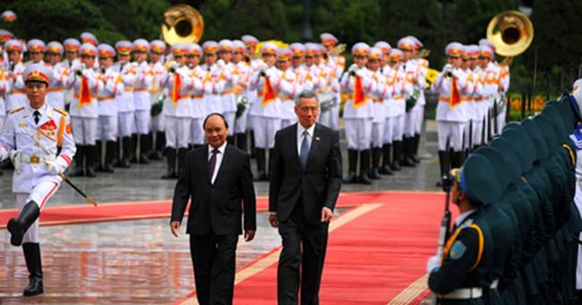 Toàn cảnh ngày thứ 3 Thủ tướng Singapore Lý Hiển Long thăm Việt Nam