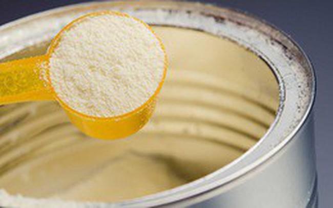 Thêm 3 lô sữa nhiễm khuẩn của Pháp vào Việt Nam