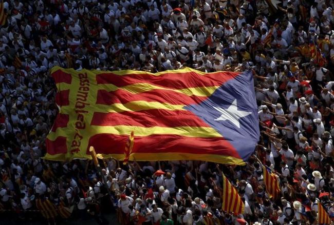 Tranh cãi xung quanh tính hợp pháp của việc Catalonia tuyên bố độc lập