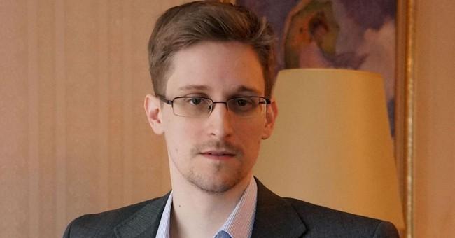 Snowden bác tin bị 'làm quà' cho ông Trump
