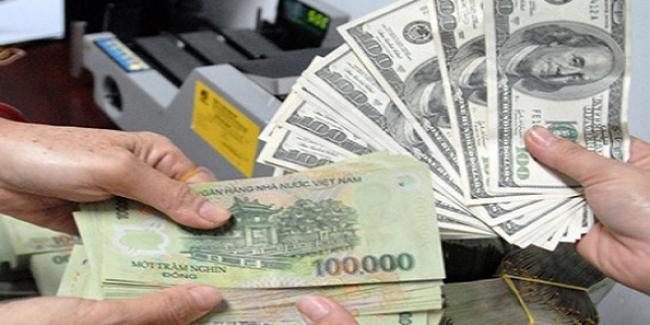 Tháng 2: Chi ngân sách vượt thu