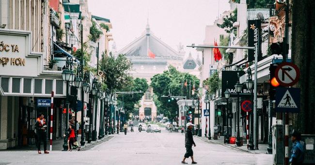 Tròn 1 năm khai trương, phố đi bộ Hồ Gươm đã trở thành một phần không thể thiếu của người Hà Nội