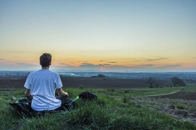 Biết lợi ích của thiền nhưng gặp khó khăn khi tập luyện, 3 mẹo đơn giản này sẽ giúp bạn