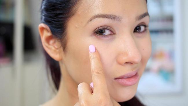 Nếu khuôn mặt có những điểm bất thường này, phải bổ sung chất dinh dưỡng ngay