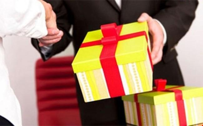 Năm 2016, chưa có cán bộ nộp lại quà tặng