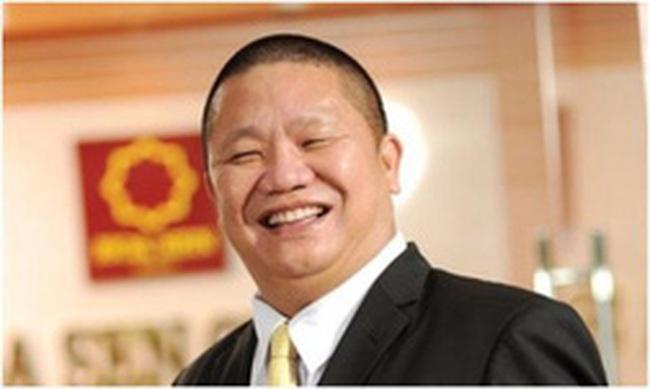 May mắn như ông Lê Phước Vũ: Kịp bán cổ phiếu ở vùng đỉnh thu về hàng trăm tỷ, vừa muốn mua vào thì cổ phiếu lao dốc