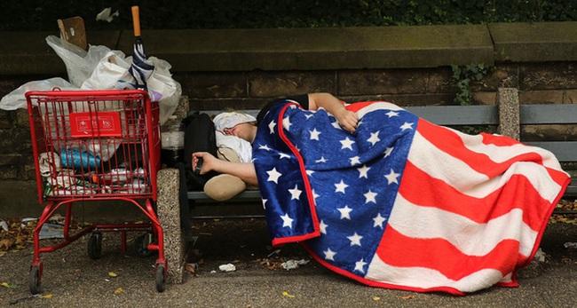 Tại sao Tổng thống Trump lại chấm dứt cuộc chiến chống đói nghèo kéo dài 52 năm của Mỹ?