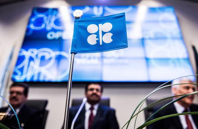 Tại sao giá dầu luôn ở mức cao trong hai năm qua?