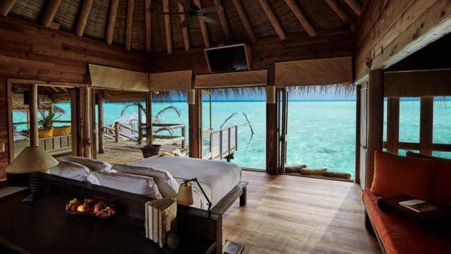 Trải nghiệm không gian độc đáo và sang trọng  bên trong căn biệt thự nổi trên mặt nước ở 'thiên đường' Maldives