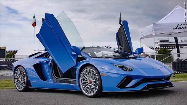 Chiêm ngưỡng phiên bản mới của siêu xe Lamborghini Aventador S: Vẫn điên cuồng nhưng vượt trội