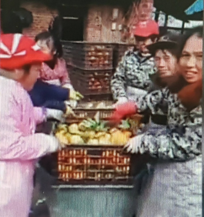 Thực hư về clip quay cảnh nhúng quýt vào hóa chất độc hại bán cho người ăn