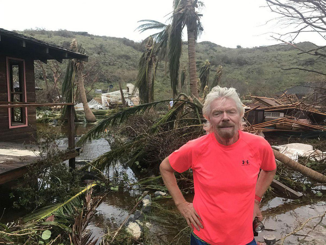 Nhà tan hoang sau siêu bão, tỷ phú Richard Branson chỉ trích Tổng thống Trump về biến đổi khí hậu