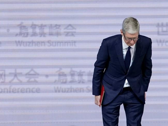 Apple chính thức xin lỗi vì làm chậm iPhone theo độ chai pin, giảm 2/3 giá pin mới