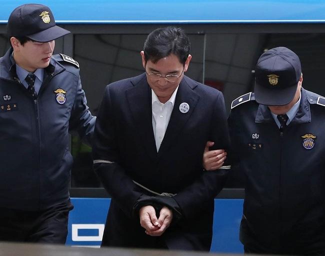 """""""Thái tử Samsung"""" bị truy tố tội đưa hối lộ"""