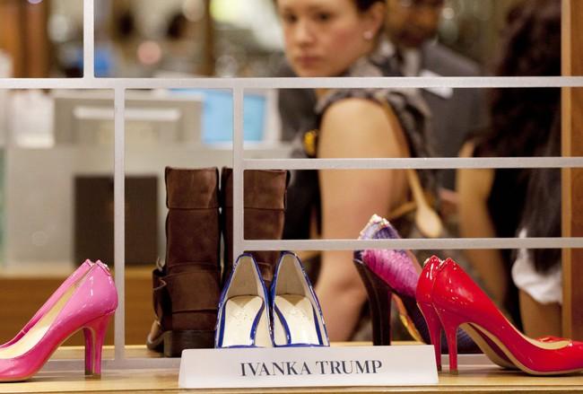 """Những công ty này đã cắt đứt quan hệ làm ăn với gia đình Trump để tránh """"tai bay vạ gió"""""""