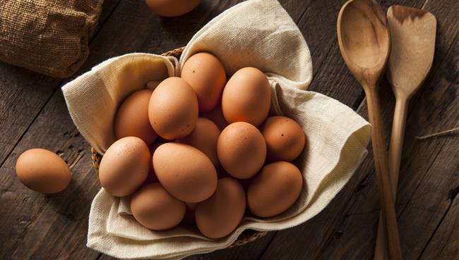 """Các bác sỹ - chuyên gia sẽ giải đáp chuẩn xác câu hỏi: """"Ăn 2 quả trứng gà/ngày sẽ cực tốt cho cơ thể?"""""""