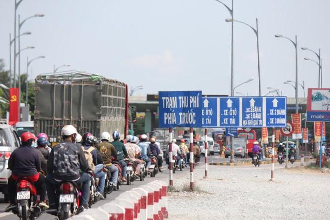 Thủ tướng yêu cầu không để xảy ra ùn tắc tại trạm thu phí trong dịp Tết