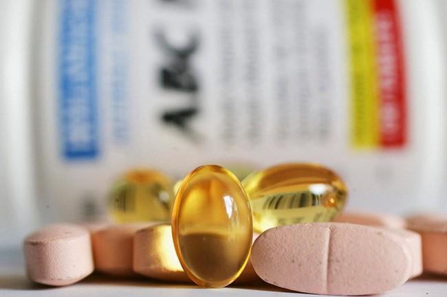 Nghiên cứu mới khẳng định thực phẩm chức năng bổ sung canxi và vitamin D không giúp bảo vệ xương