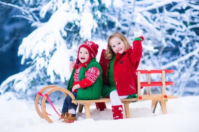 5 gợi ý thú vị các bậc cha mẹ có thể làm cùng con trong mùa đông để có những khoảnh khắc tuyệt vời trong đời