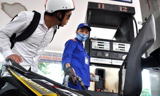 VCCI: Tăng thuế môi trường xăng dầu khiến doanh nghiệp khó cạnh tranh