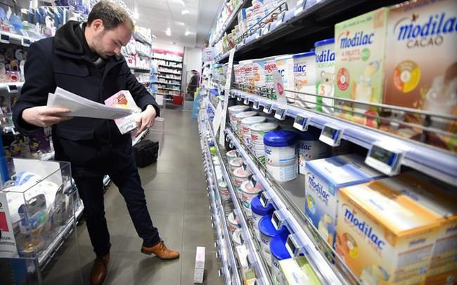Sản xuất cung vượt quá cầu, châu Âu dư hàng trăm nghìn tấn sữa bột