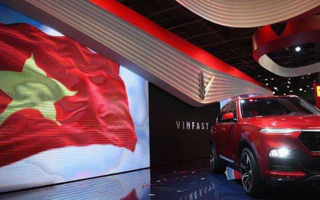 Màn ra mắt 2 xe hơi của VinFast: Đẳng cấp và thấm đẫm tinh thần tự hào dân tộc!