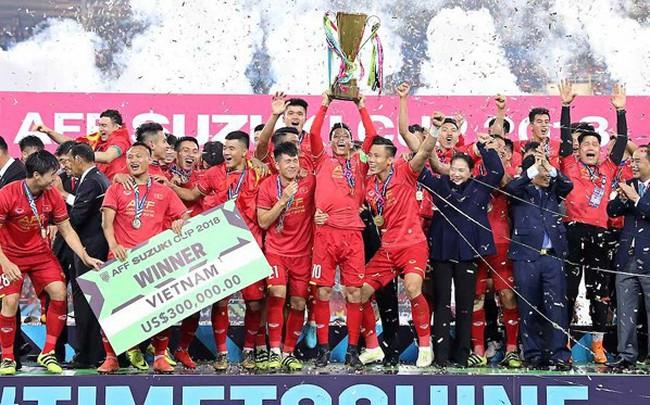 """Hậu AFF cup, khai thác """"mỏ vàng"""" thương hiệu đội tuyển quốc gia như thế nào?"""