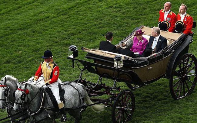 Khối tài sản hơn 18 tỷ USD của Hoàng gia Anh gồm những gì?