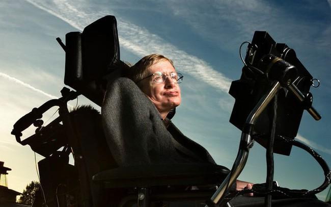 Nhìn lại cuộc đời kỳ diệu của Stephen Hawking, người ngồi xe lăn truyền cảm hứng cho cả thế giới