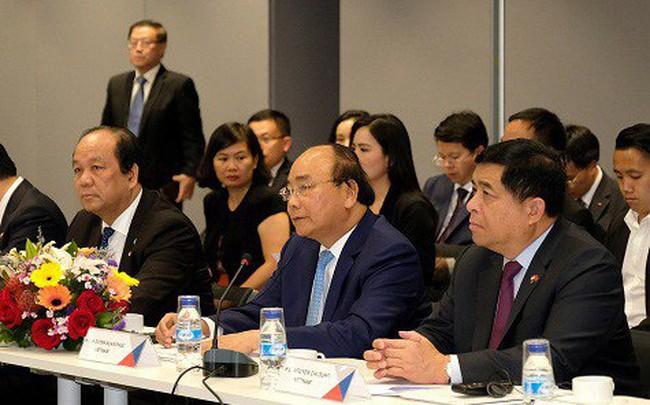 """Thủ tướng Nguyễn Xuân Phúc đối thoại với doanh nghiệp Singapore: """"Chúng tôi muốn biết các bạn chưa hài lòng điều gì"""""""
