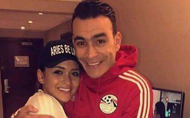 Thủ môn Ai Cập 45 tuổi vẫn dự World Cup, có con gái đính hôn với đồng đội của bố nhưng đây mới là điều trớ trêu