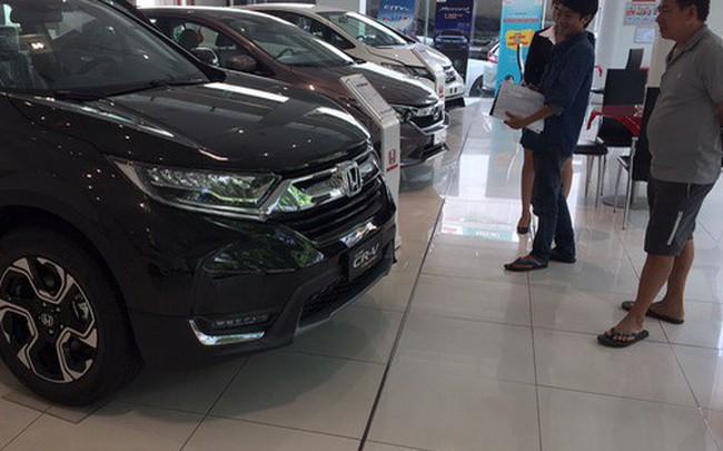 Thuế nhập khẩu về 0%, giá ôtô vẫn tăng từng ngày