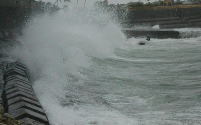 Hàng ngàn du khách mắc kẹt tại đảo Lý Sơn