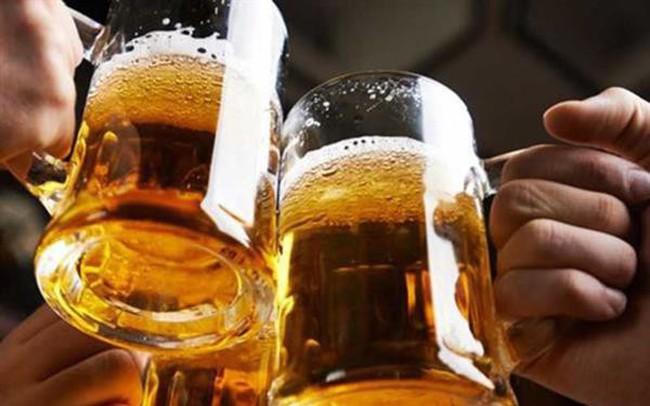 Đề xuất tăng thuế rượu bia để giảm tiêu thụ