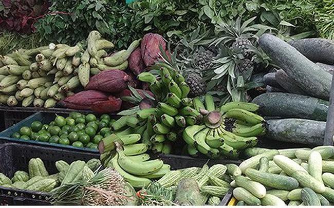 Giá rau củ ở Hà Nội rục rịch tăng do mưa lớn kéo dài