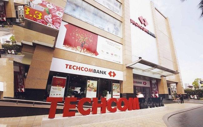 Lợi nhuận 6 tháng cao kỷ lục, Techcombank tăng thu nhập của nhân viên lên 28 triệu đồng/tháng