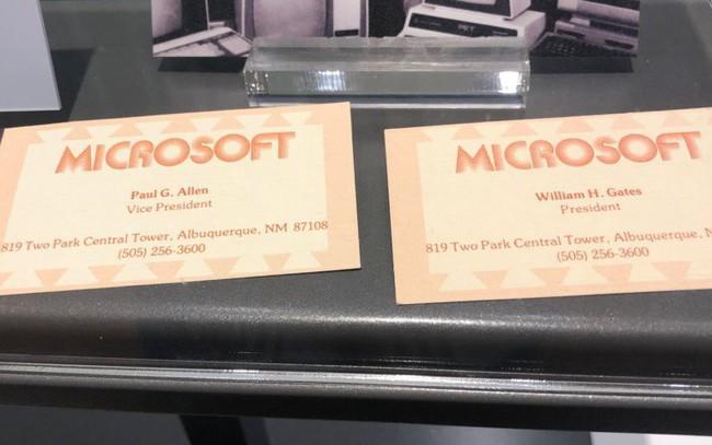 Đây là tấm danh thiếp đầu tiên của Bill Gate ở Microsoft, ngay sau khi ông bỏ học Harvard